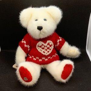 "Boyds Bears ""Bashful T. Bearhugs"" Valentine Bear"